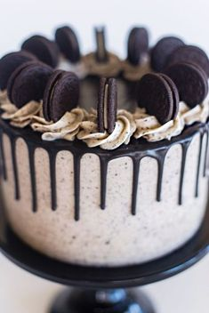 Bolo Cookies And Cream, Cookies And Cream Frosting, Oreo Buttercream, Cookies N Cream Cake Recipe, Oreo Frosting, Oreo Cake Recipes, Dessert Recipes, Oreo Cake Filling Recipe, Cheesecake Recipes