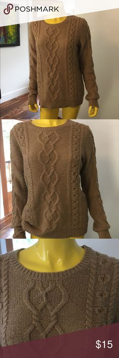 Gap cable knit sweater in camel. Soft. Large Gap cable knit sweater in camel. Acrylic and wool. Pilling so sweater needs shaving. Super warm! Wool and acrylic. Sweaters Crew & Scoop Necks