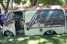 Custom VANS natural BABES & other bad ass transportation. Vintage Vans, Vintage Trucks, Cool Trucks, Big Trucks, Pickup Trucks, Rat Rods, Van Vw, Step Van, Old School Vans
