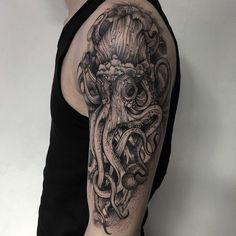 Oscuro e inquietante criatura tatuajes del artista ruso | Veriy