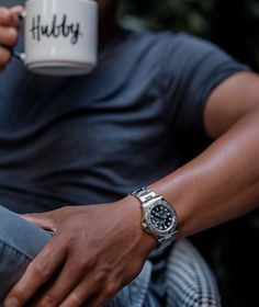 Luxury Watches For Men, Beautiful Watches, Breitling, Vintage Watches, Simple Style, Rolex Watches, Rings For Men, Pomegranates, Men's Watches