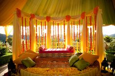 Indian Weddings Decorations: Serene Grace!  Posted by Soma Sengupta