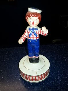 """""""Raggedy Andy"""" - Spinning Music Statue - Great for a Collector"""