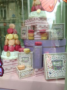 the window display at Laduree ,Paris