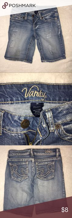 Jean shorts! Mid thigh length jean Bermuda shorts! Fit like a 25 Vanity Shorts Jean Shorts