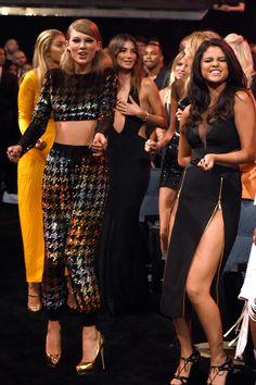 Taylor Swift and Selena Gomez at MTV VMAs 2015 | POPSUGAR Celebrity