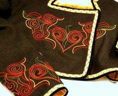 Jakke til beltestakk med stort broderi Folk Costume, Costumes, Embroidery Ideas, Traditional Outfits, Old And New, Vintage Photos, Norway, Bridal Dresses, Google