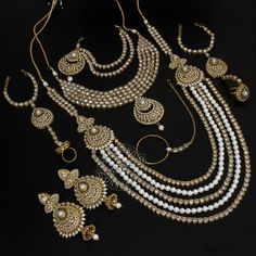 Mansi Necklace + Earrings + Mathapatti +Nose Ring + Bracelet by Indiatrend. Shop Now at WWW.INDIATRENDSHOP.COM
