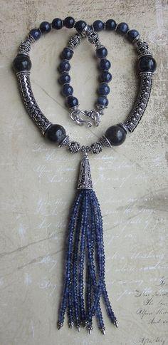 Shimmer éthéré--Iolite pierres fines et argent Collier gland de bali