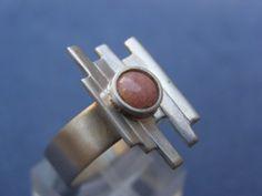 Anillos   Plata&Fuego - Joyeria Contemporanea - Flavia Alvarez Stone Rings, Cufflinks, Lipstick, Accessories, Jewelry, Stones, Hands, Rings, Cursive Letters
