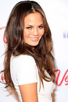 Chrissy Teigen Hair, Beauty & Makeup