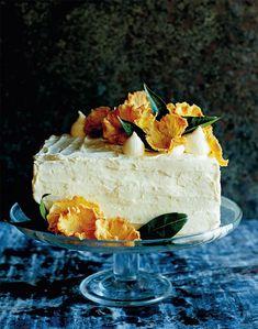 Hummingbird layer cake with pineapple flowers Pineapple Flowers, Ripe Pineapple, Pineapple Cake, Hummingbird Cake, Cupcakes, Square Cakes, Banana Cream, Sugar Free Recipes, Mini Muffins