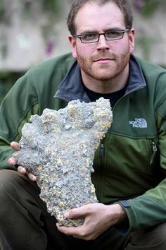 Josh Gates is shown above with the Yeti footprint cast, dated December from his Nepal expedition. Yeti Bigfoot, Bigfoot Sasquatch, Bigfoot Photos, Expedition Unknown, Finding Bigfoot, Cryptozoology, Thing 1, Ancient Aliens