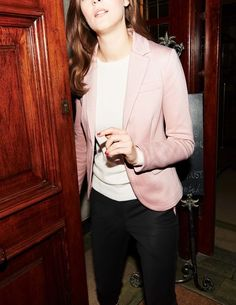 We're coveting Rose Quartz this season | Get your hands on our Hazelbury Blazer today.