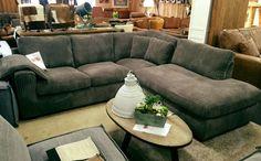 Hoekbank Guilio van Easy Sofa in de meubelshowroom van Mokana