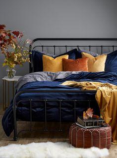 Home Decor Decorating Ideas Blue Master Bedroom, Blue Bedroom Decor, Bedroom Orange, Fall Bedroom, Bedding Master Bedroom, Light Bedroom, Master Bedrooms, Bedroom Colors, Velvet Bedroom