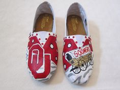 ou sooners tom shoes | ... hand painted OU OKLAHOMA SOONERS Licensed Toms canvas shoes flats