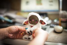 Toppy kleine Schafe, weichen Kunst Spielzeug Kreatur von Wassupbrothers. MADE TO ORDER