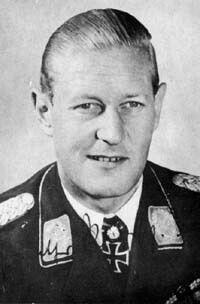 ✠ Gunther Radusch (11 November 1912 – 29 July 1988) RK 29.08.1943 Major Kdr II./NJG 3 + 06.04.1944 [444. EL] Major Kommodore NJG 5