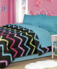 Another really cute bedding set for a little girl's room.