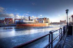 #Frozen Motlawa River and Sołdek ship / Zamarznięta Motława i S.S. #Sołdek | #gdansk #cold #snow #ice #winter