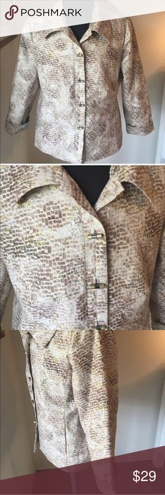 ⭐️CHICO'S LOVELY JACKET 💯AUTHENTIC CHICO'S LOVELY GOLD AND SILVER GILDED JACKET/ BLAZER 100% AUTHENTIC. TOTALLY ON TREND AND JUST LOVELY! COLARS ARE BROWN, TAN, GOLD AND SILVER. THE SIZE IS A CHICO's 2 WHICH CONVERTS TO A ROOMY MEDIUM Chico's Jackets & Coats Blazers
