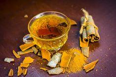 Skořicový čaj může snížit hladinu cholesterolu atriglyceridůvkrvi Detox Drinks, Moscow Mule Mugs, Tableware, Recipes, Food, Dinnerware, Tablewares, Essen, Eten