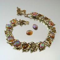 Coro melon glass necklace aurora rhinestone cabcohon - jewelry vintage 1950s