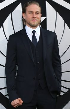 Pin for Later: 11 Actors Who Were Almost Cast in Fifty Shades of Grey Charlie Hunnam Charlie Hunnam was initially cast as Christian Grey, but he dropped out, citing scheduling issues.