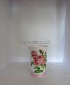 Vaza din sticla este decorata manual, prin tehnica decorativa a servetelului. Este rezistenta la apa, astfel încât nu serveste doar ca decor ci pote fi întrebuințata. Inaltimea de 30 cm. La cerinta clientului se pot realiza cu alte modele florale sau cu motive traditionale. Vase, Floral, Home Decor, Jars, Decoration Home, Room Decor, Florals, Vases, Flower