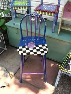 LOTS OF COOL CHAIRS ON THIS SITE......CHECK BACK LATER.