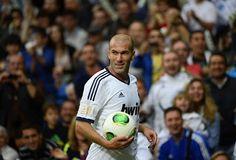 The guy is goooooood No One Likes Me, Zinedine Zidane, Big Love, Sumo, Bob, Soccer, Wrestling, Sports, Lucha Libre