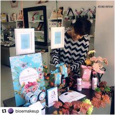 Grazie a @bioemakeup per una bellissima vetrina :)   #bioemakeup #primitivoil #phimarketingconcept #numberone #beauty #cosmetic #bioprofumeria #conceptstore #siena