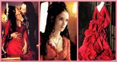 """Winona Ryder em """"Drácula de Bram Stoker"""" (1992) – O vestido vermelho vibrante de Mina é lindo de morrer! Eiko Ishioka ganhou o Oscar de Melhor Figurino por seu trabalho neste filme de Francis Ford Coppola."""