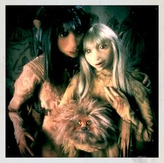 "Jen and Kira from the 1982 film ""The Dark Crystal"" directed by Jim Henson. Dark Crystal Movie, The Dark Crystal, Jim Henson, Lisa Maxwell, Brian Froud, Fantasy Movies, Family Movies, Film Serie, Cultura Pop"