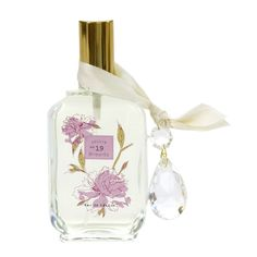 have it. love it. one of the best smells ever.  {A floral heart of ruffled Peony and White Lily with sheer hints of fresh Grapefruit and Orange}