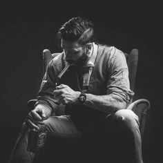 Gentleman style 505529126910268778 - A man's corner Source by Portrait Photography Men, Smoke Photography, Photography Poses For Men, Cigar Men, Smoke Art, Men Photoshoot, Man Smoking, Male Poses, Gentleman Style