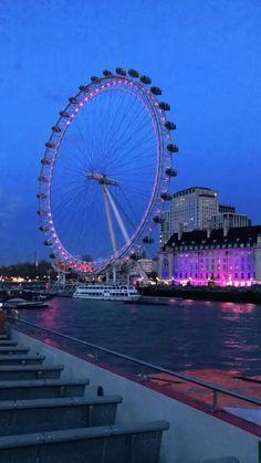 Night Aesthetic, City Aesthetic, Travel Aesthetic, Calin Couple, Aesthetic Photography Grunge, London Dreams, London View, London Night, Beautiful Nature Scenes