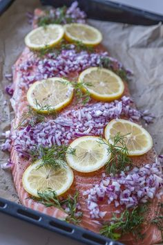 Hel laxsida i ugn | Fredriks fika - Allas.se Clean Recipes, Fish Recipes, Healthy Recipes, A Food, Good Food, Food And Drink, Vegan Food, Keto Chili Recipe, Fish And Seafood
