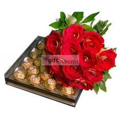 #Bouquet‬ of #Roses accompanied by a large box of #Chocolates‬ Gift Delivery to #Mexico‬.