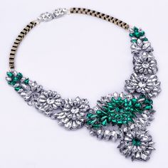 Attractive Fashion Gold Chain Green&White Resin Acryl Flower Party Bib Necklace