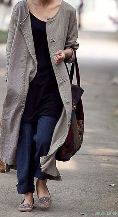 simple fall linen clothes - taobao - luv the turquoise accents in the mocs Look Fashion, Fashion Outfits, Womens Fashion, Gq Fashion, Travel Fashion, Minimal Fashion, Fashion Spring, Fashion Styles, Street Fashion