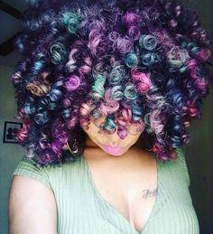 Color and curls popping ➰ on @naturallytash  #voiceofhair #hairideas voiceofhair.com
