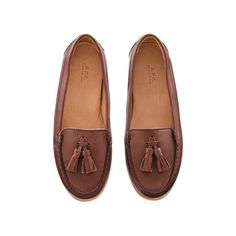 Tassel moccasins ($280) ❤ liked on Polyvore featuring shoes, loafers, flats, footwear, brown shoes, brown moccasins, loafers flats, mocassin shoes, mocasin shoes and tassel loafers