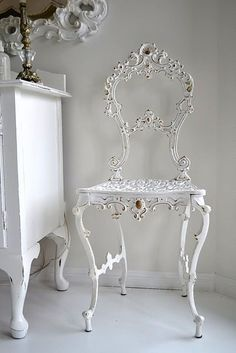 I received that chair for my 21st Birthday Gosh psssssssssssssssssssssst that was 64 years ago WOW It looks great I wish I did