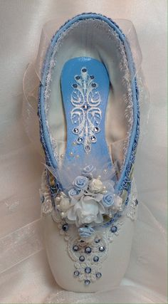 Nutcracker Clara themed decorated pointe shoe. by DesignsEnPointe