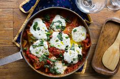 One-Pot Lasagna: As Easy as It Is Beautiful #fast It's dinnertime and you have little ones begging at your hips.