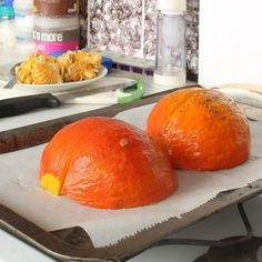 Jak zpracovat dýni Hokaidó - fotopostup | BAJOLA ✌ Fit bez diet Health Diet, Zucchini, Food And Drink, Low Carb, Orange, Fruit, Fitness, Recipes, Hokkaido