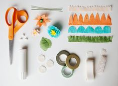 Crepe Paper Flower Tutorial Mothers Day Flowers, Mothers Day Crafts, Handmade Flowers, Diy Flowers, Diy Paper, Paper Crafts, Making A Bouquet, Pencil Toppers, Tissue Paper Flowers