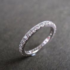 Bague de mariage diamant éternité en or blanc par honngaijewelry